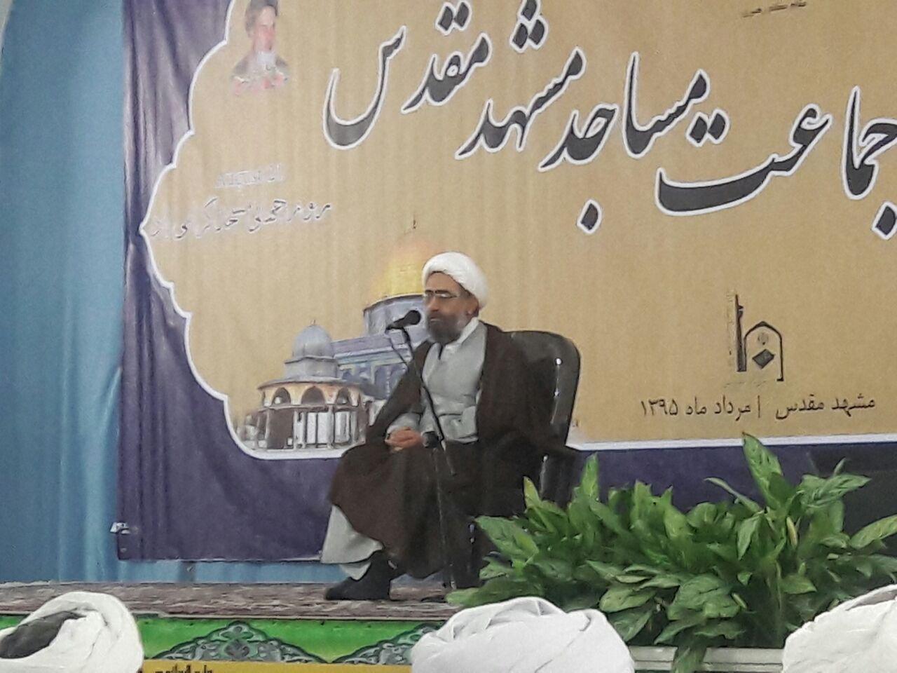نقش مهم روحانیت در شکل گیری و تداوم انقلاب اسلامی